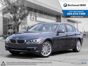 2013 BMW 3 Series 328i Xdrive Navigation, Premium Package!