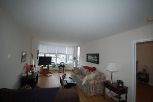 Beautiful 1 Bedroom at the Waterford Suites! Available DEC
