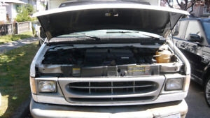 1998 Ford E- 450  Cube Van 7.3L DI  ready to work