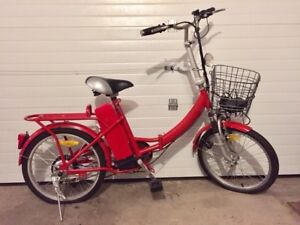 Selling daymak folding electric bicycle.