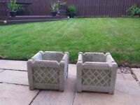 2x beautiful concrete decorative pots!