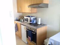 All Bills & Council Tax included*Modern Bedsit in Isleworth*Available Now & Furnished