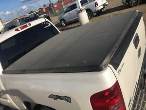 TONNEAU COVERS FOR SALE! DISCOUNT PRICING