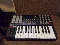 Akai Professional MPK25 USB MIDI / Performance Keyboard