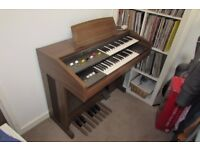 Yamaha Electone Organ, fully working and in great condition.