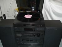 Sony Hi-Fi system with turntable, cd player, twin tape deck, radio and 2 speakers