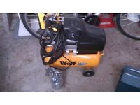 WOLF AIR COMPRESSOR WITH HOSE AND SPRAYGUN