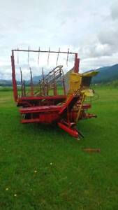 New Holland bell waggon and Baylor