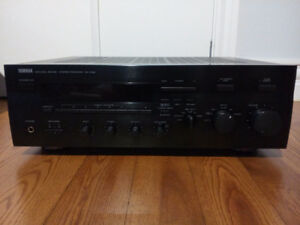 YAMAHA RX 596    2 CHANNEL STEREO RECEIVER
