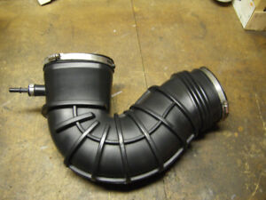 Saleen mustang 2005-2009 rubber cold air intake tube