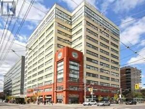 2 Beds 2 Baths Condo Apartment 700 KING Street West , Toronto