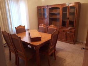 Table de cuisine 6 places et 3 buffets cuisine et salon