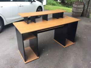 Desk Solid