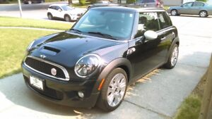 2010 Mini Cooper S Camden Edition Coupe (2 door)