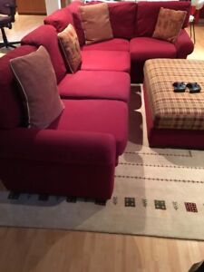 Sectionnel rouge + tapis