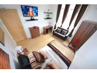 ◄▬ Sensational Kingsize+Sofa+TV in Newly Refurbished House.Modern Area: Stratford City Westfields ▬►