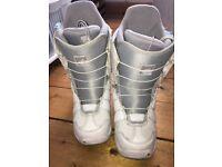 Burton Mint Women's Snowboard Boots - UK Size 3