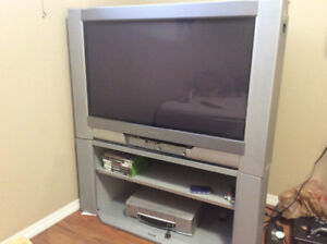 """34 """" HD tube tv.new price,I'll pay you 20$"""