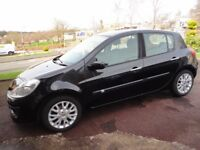 IMMACULATE BLACK RENAULT CLIO (LADY OWNER)