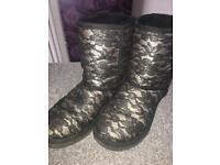 Uggs (used) size 4.5