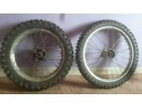 Cr85 wheels