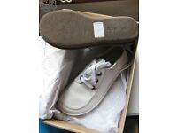 CLARKS LADIES CASUAL REAL LEATHER SHOES WHITE SIZE 6 STILL IN SHOP FOR 60 POUNDS.