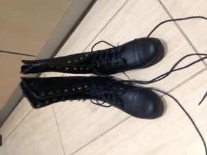 Steven Madden black combat boots in mint condition