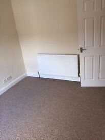 Spacious 3 Bedroom House - DE24 8RT- 30 Warren St