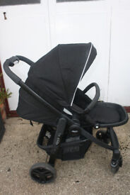 Graco Evo Travle System Charcoal, Buggy, Car Seat, Footmuff and Raincovers Excellent Condition