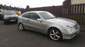 Mercedes Benz 2004 C220, Diesel, cheap tax/insurance £1245 .o.n.o. (PRICE REDUCTION)