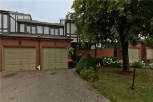 Executive Town Home In Erin Mills! 3+1 Bed / 4 Bath, Fin Bsmnt