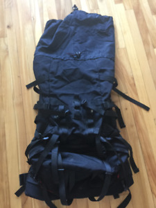 JACK WOLFSKIN BACKPACK WITH PORTABLE RAIN COVER