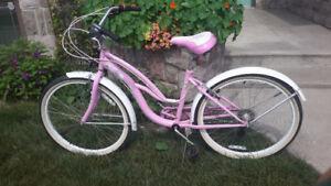 SCHWINN LULU CRUISING Beach bike.