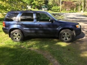 2004 Ford Escape Limited REDUCED