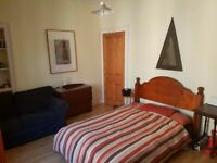 Fringe Festival Let - Double Room - Central Edinburgh