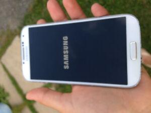 100$ Samsung galaxy s4 mint condition
