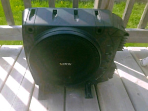 """Infinity Basslink Powered subwoofer: 200 watts and a 10"""" sub"""