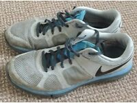 NIKE UK Size 7 (Eur 41) WHITE Trainers with Blue Sole, Excellent Condition-Men's