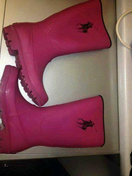 Size 2.5 junior ralph lauren welliesin Greenford, LondonGumtree - Lovely pair of wellies Genuine ralph laurenSize 2.5 junior Worn only a handful of timesAny questions please ask