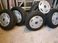 Transit wheels and tyres195/70×15 uniroyal