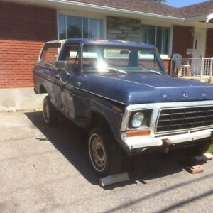 Ford Bronco 1978 POUR PIECESs