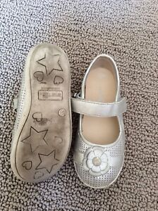 Girl dress shoes. Size 9.5