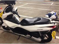 Honda PCX 125 / white / 13k miles / 2011 / 1 owner from new / private sell