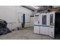 garage working space in For rent- To Share / workshop garage body shop