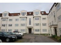 3 bedroom flat in Etchingham Court, Etchingham Park Road, Finchley, N3