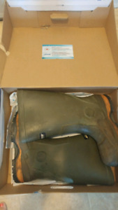 Mens size 12 Baffin boots