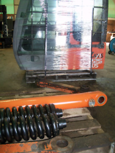 >> Dismantling Excavators For Parts: Hitachi ZX230-1 & ZX450-3<<