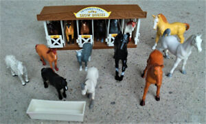 15 Rubberized Plastic Horses w/ International Horse Show Stable