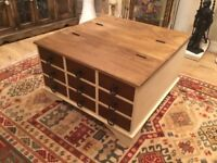 Coffee table / trunk