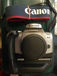 Canon Rebel T2 35mm FILM Camera